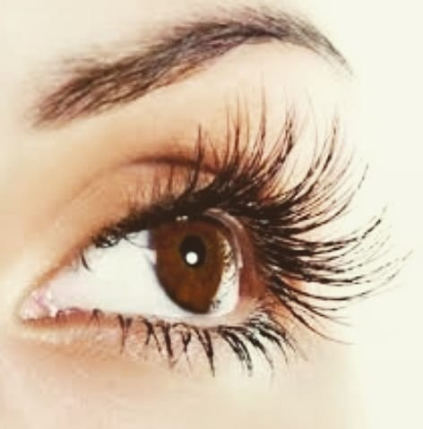 Spring special: R450 for classic and R650 for volume lashes. Limited space is available, book now!