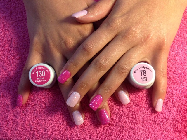 Book any Bio Sculpture Nail Overlay and get a Free Paint Pedicure in December 2019